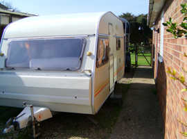 For sale is our 1994 5 berth Perle Argos Custom by Avondale.