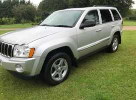 Jeep Grand Cherokee, 2005 (05) Silver Estate, Automatic Diesel, low mileage 72,000 miles
