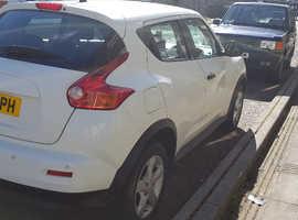 Nissan Juke, 2011 (11) White Hatchback, Manual Petrol, 44,000 miles
