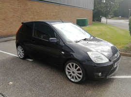 FIESTA ST 2.0L 16v 2005 REG, LONG MOT, CD PLAYER WITH AUX & BLUETOOTH, TINTED WINDOWS & AIR CON