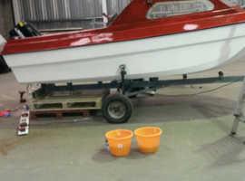 Pilot fishing boat