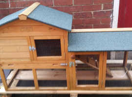 Two tier rabbit hutch nearly new