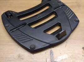 Givi m3 top box plate