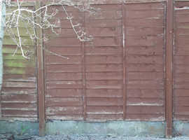 7.5 wooden used and worn fence panels