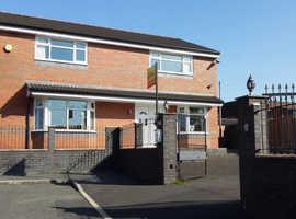 Property For Sale In Blackburn Lancashire - Lindisfarne Avenue
