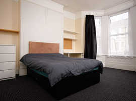 Large STUDENT DOUBLE room, at University doorstep, £75 pw, available NOW.