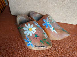 PAIR WOODEN CARVED CLOGS SOUVENIR OF BRUSSELS6 INCH (15CMS) LONG GOOD CONDITION