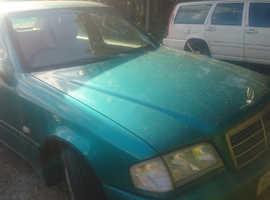 Mercedes C180, 1998 (R) Green Saloon, Automatic Petrol, 110,000 miles