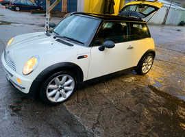 Mini Cooper 2004 (04) White Hatchback, Manual Petrol, 97,300 miles