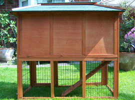 Absolute bargain! New rabbit / guinea pig hutch with run.