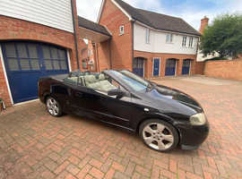 Vauxhall Astra, 2004 (54) Black Convertible, Manual Petrol, 184,000 miles
