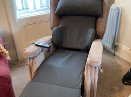 Configura riser recliner chair