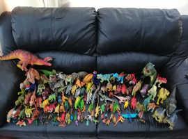 125 dinosaurs good condition