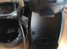 Nescafé Dolce Gusto with 2 pod holders