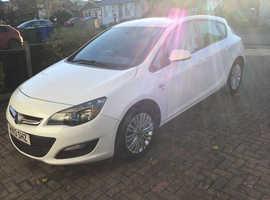 Vauxhall Astra, 2013 (13) White Hatchback, Manual Diesel, 87,380 miles