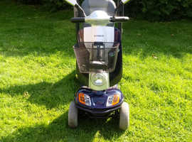 KYMCO GEO 8 FORU ALL ROAD 4 to 8 mile an hour mobility scooter as new in BLUE