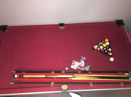 Pool table with all the bits