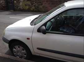 Renault Clio, 2000 (W) White Hatchback, Manual Petrol, 74,796 miles
