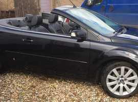 Ford Focus, 2008 (08) Black Convertible, Manual Petrol, 107,207 miles