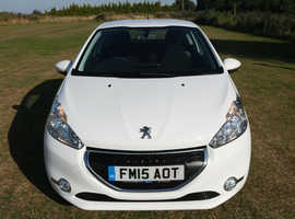 Peugeot 208, 2015 (15) White Hatchback, Manual Petrol, 43,626 miles