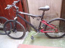 2 x pushbikes - spares or repairs