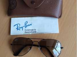 Ray Ban Aviator sunglasses. Mint condition.