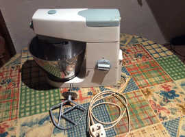 Quality Vintage Kenwood Chef Food Mixer - White/Blue