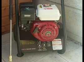 Petrol 2500 psi pressure washer