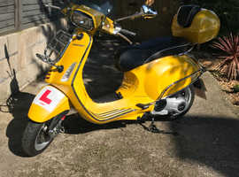 Piaggio Vespa Sprint (limited ed.) 125 3V ABS 2014 - only done 544 miles!