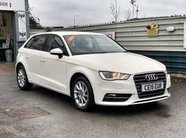 2015/15 Audi A3 1.6 TDi SE Sportback finished in Old English White.   59152 miles