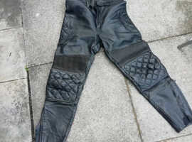 mens motorcycle black jeans leather very clean size 32 to 34 waist leg 28 will post