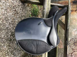 8inch wide thorowgood saddle