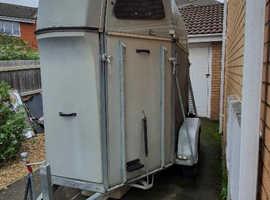 Twin Axle ( 2 x 17.2h ) Saris Horse Trailer