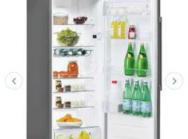 White hotpoint tall fridge