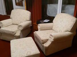 Beautiful 8 seater sofa suite