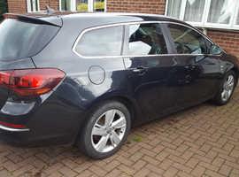 Vauxhall Astra, 2013 (63) Black Estate, Manual Diesel, 77,000 miles