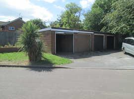 Lock Up Garage ~ Drury Lane ~ Houghton Regis ~ Luton LU5 ~ New Door & Roof ~ Additional Parking space in front!