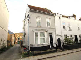 Fantastic 4 double bedroom end of terrace house in the heart of Ramsgate. Walking distance to the town centre with parking for 2 cars.
