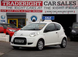 2010/60 Citroen C1 1.0 Splash finished in Arctic White Metallic., 76,375 miles