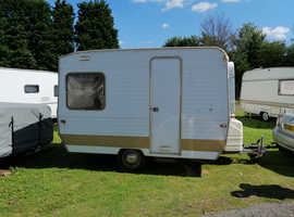 Price drop- Retro bijoux caravan/ excellent kids play den. Needs work.
