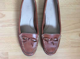 M & S Footglove leather boat shoes