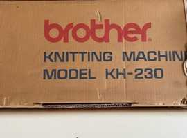 Knitting machine with ribber