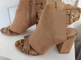 Selection of womens shoe and boots size 5 and 6