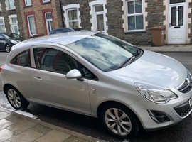 Vauxhall Corsa, 2013 (13) Silver Hatchback, Manual Petrol, 42,409 miles