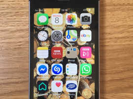 Iphone Se 128gb capacity space grey, unlocked, factory reset