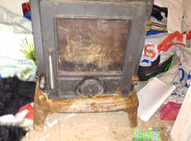 Woodburner and double insulated chimney pipe