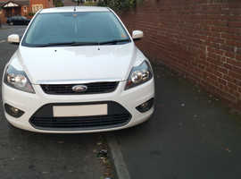 Ford Focus, Zetec 2011 (60) White