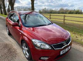 Kia Ceed, 2010 (10) Red Estate, Automatic Diesel, 85,000 miles