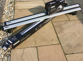 Thule Rapid System Wing Roof Bars + Thule Rapid system foot pack