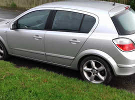 QUICK SALE NEEDED HENCE PRICE...Vauxhall Astra sri cdti, 2004 (54) Silver Hatchback, Manual Diesel, 142,000 miles
